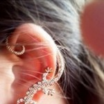 Golden-Punk-Diamond-Studded-Lizard-Ear-Clip-LC0899-2
